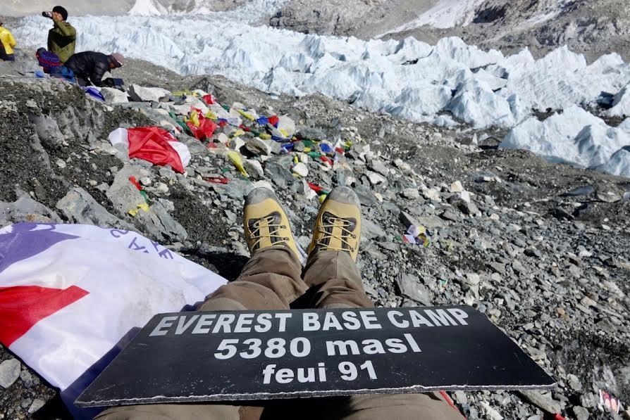 Arrivati al campo base dell'Everest nel trekking Maldavventura