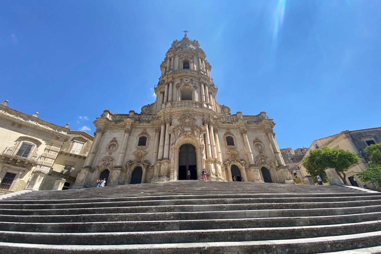 La chiesa Barocca a Ragusa nel nostro viaggio Sicilia On The Road
