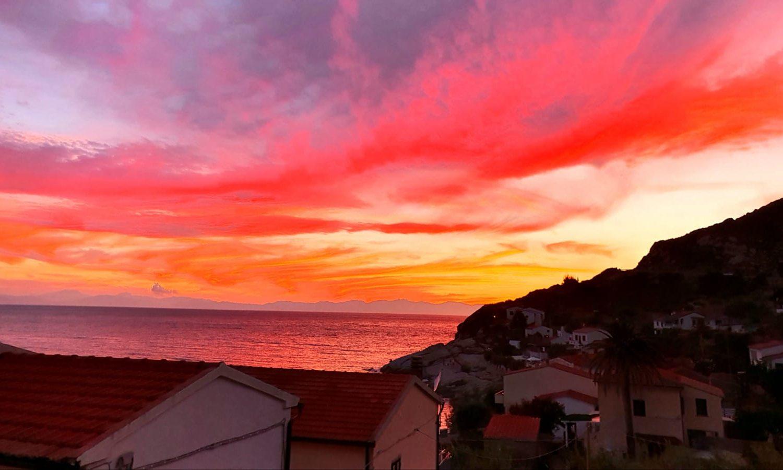 Il tramonto di Chiessi durante il Trekking all'Isola d'Elba targato maldavventura