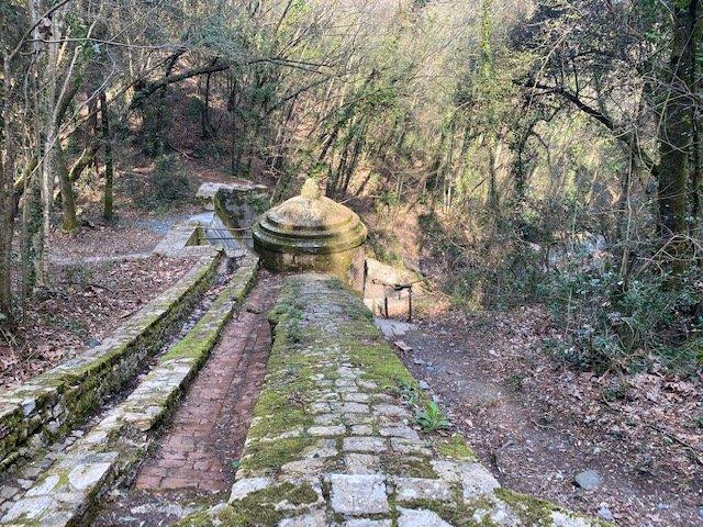 L'acquedotto di Colognole che vedremo durante il weekend in trekking alla scoperta delle Colline livornesi